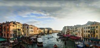 Заход солнца над грандиозным каналом в Венеции Стоковая Фотография RF