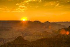 Заход солнца на гранд-каньоне увиденном от точки зрения пустыни, южного Ri Стоковое фото RF
