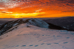 Заход солнца на держателе Nerone в зиме, Apennines, Марше, Италии Стоковая Фотография RF