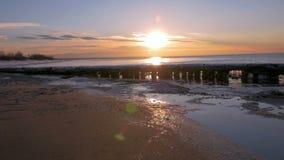 Заход солнца на заливе Балтийского моря, Риги, Латвии 96fps сток-видео