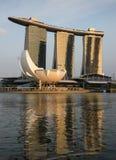 Заход солнца на заливе Марины зашкурит гостиницу и казино, Сингапур Стоковые Изображения