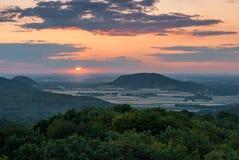 Заход солнца над землей Стоковое Изображение RF