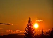 Заход солнца над землей Стоковая Фотография RF