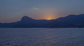 Заход солнца над крымскими горами Стоковое Изображение