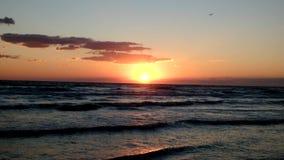 Заход солнца на море видеоматериал