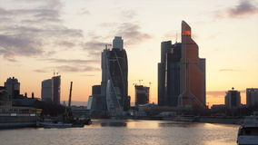 Заход солнца над Москв-городом. акции видеоматериалы