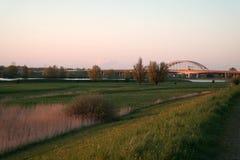 Заход солнца на мосте Vianen, Нидерландах Стоковые Изображения