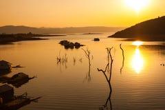 Заход солнца на озере в Вьетнаме Стоковые Фото