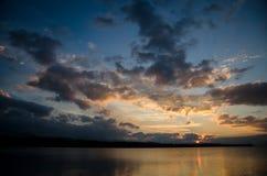 Заход солнца на озере Стоковое Изображение