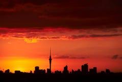 Заход солнца над Оклендом, NZ Стоковое фото RF