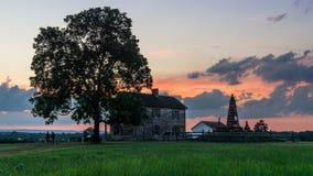 Заход солнца над домом Генри на поле брани Manassas национальном в Manassas, Вирджинии Стоковые Изображения RF