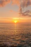 Заход солнца на острове Grand Cayman, Каймановых островах стоковая фотография rf