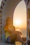 Заход солнца на острове Santorini Стоковые Изображения
