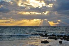 Заход солнца на парке 3 пляжа Kamaole, Kihei, Мауи Стоковое фото RF