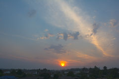 Заход солнца на пригороде Стоковые Фото