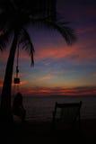 Заход солнца на пляже в острове Ngai, Таиланде стоковое изображение