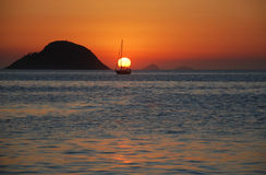 Заход солнца на пляже Itaipu Стоковое Фото