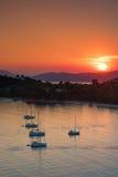 Заход солнца на пляже Koukounaries на острове Skiathos стоковые изображения