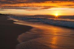Заход солнца на пляже Polihale на Кауаи, Гаваи Стоковое Изображение RF