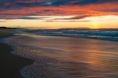 Заход солнца на пляже Polihale на Кауаи, Гаваи Стоковое фото RF