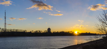 Заход солнца над Рекой Волга в Tver Стоковое фото RF