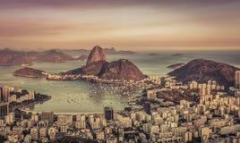 Заход солнца над Рио-де-Жанейро, Бразилией стоковые фото