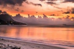 Заход солнца на Сейшельских островах Стоковые Изображения RF