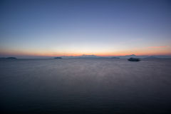 Заход солнца на утре на море Стоковая Фотография RF