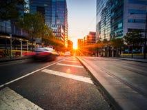 Заход солнца на улице города Стоковые Изображения RF