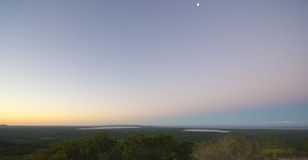 Заход солнца над Noosa, побережьем солнечности, Квинслендом, Австралией стоковое изображение