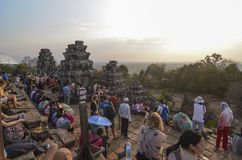 Заход солнца на Phnom Bakheng, Angkor Стоковые Фотографии RF