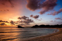 Заход солнца на Watu Karung, Ява, Индонезии Стоковые Фото