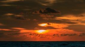 заход солнца неба облака цветастый драматический Стоковое Изображение RF