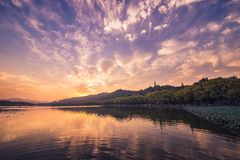 заход солнца озера западный Стоковое фото RF