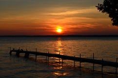 Заход солнца дока Стоковая Фотография