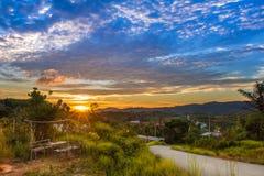 Заход солнца от холма Стоковые Изображения RF