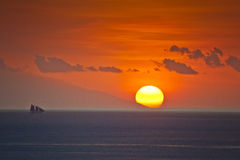 Заход солнца от Labuan Bajo, острова Komodo стоковое изображение