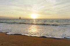 Заход солнца парусника Стоковое Изображение