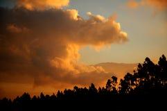 заход солнца пасмурного неба Стоковые Изображения