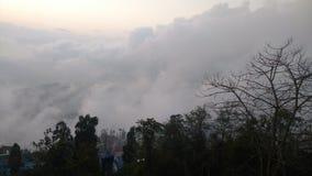 Заход солнца покрытый с облаками стоковые изображения rf