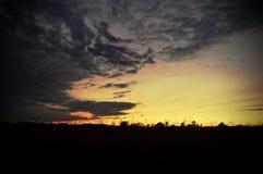 Заход солнца поля Стоковые Фотографии RF