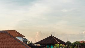 заход солнца промежутка времени 4K на тропическом острове Бали, Индонезии Timelapse с изумительными цветами видеоматериал