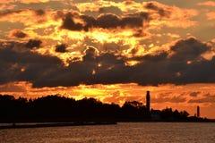 заход солнца пляжа золотистый Стоковые Изображения RF