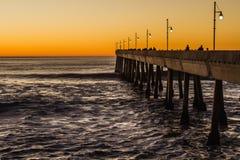 Заход солнца пляжа пристани Pacifica стоковые фотографии rf
