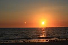 Заход солнца пляжа Fort Myers Стоковые Фото