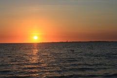 Заход солнца пляжа Fort Myers стоковое изображение