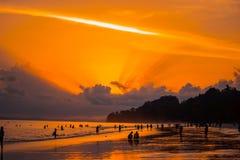 Заход солнца пляжа Radhanagar, Андаманские острова стоковые фото
