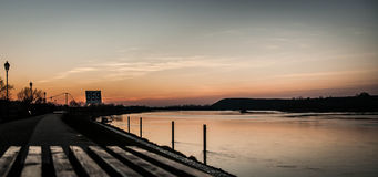 Заход солнца речного берега Стоковое фото RF