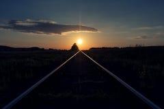 Заход солнца сразу над железной дорогой железной дороги Стоковые Фото