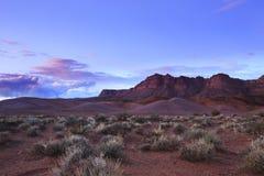заход солнца дюн Дубай пустыни Стоковые Изображения RF